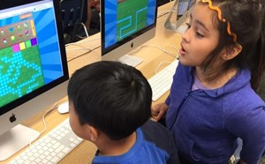 Gilbert Students Embrace Technology - article thumnail image